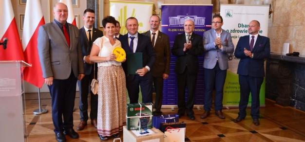 Mariola i Brunon Maśni odebrali nagrody za zajęcie I miejsca w etapie regionalnym.