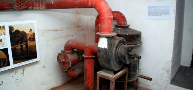 Urządzenie filtrowentylacyjne służące do napowietrzenia schronu.