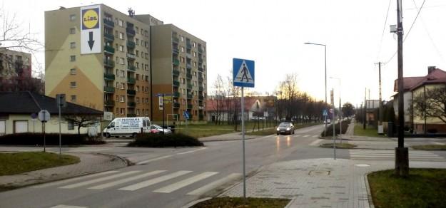 W tym miejscu, na skrzyżowaniu ul. Słonecznej i Dobrawy z ul. Skłodowskiej-Curie powstanie rondo