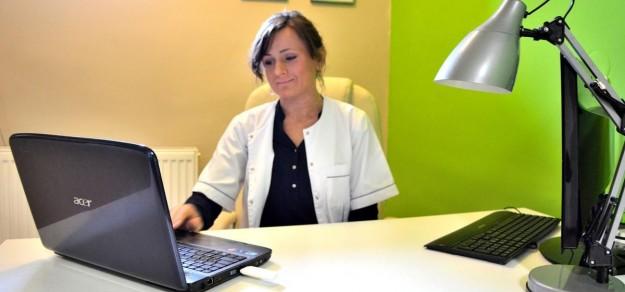 Pani Katarzyna jest dyplomowaną terapeutką od lat związaną z branżą medyczną.