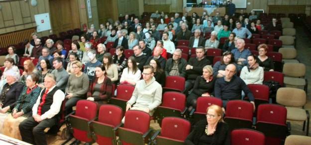 Obecna sala widowiskowa jest mała, niewygodna i niedostosowana do osób niepełnosprawnych (fot. Natalia Modrzewska)