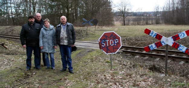 PKP PLK S.A. chce przenieść odpowiedzialność za utrzymanie przejazdów kolejowych na mieszkańców.