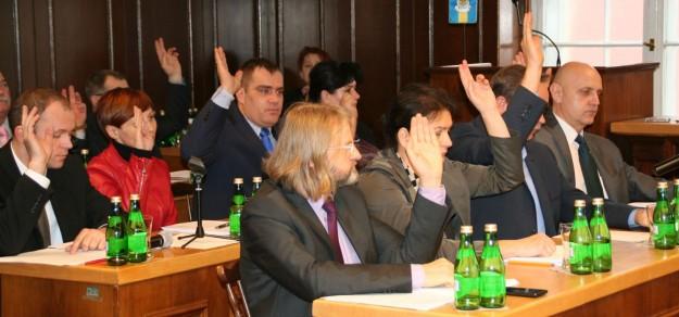 Radni miejscy byli jednomyślni podczas uchwalania budżetu.