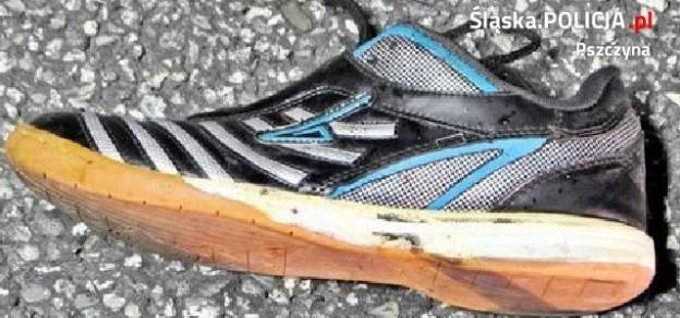 W mediach zamieszczono m.in. zdjęcie butów ofiary. Jednak nie to pozwoliło ustalić jej tożsamość (fot. KPP Pszczyna)