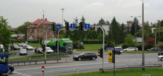 Przebudowa skrzyżowania DK 1 i ul. Męczenników Oświęcimskich (DW 933) stoi pod znakiem zapytania.