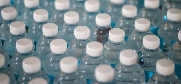 Spróbujmy wyeliminować jak najszybciej plastikowe butelki.
