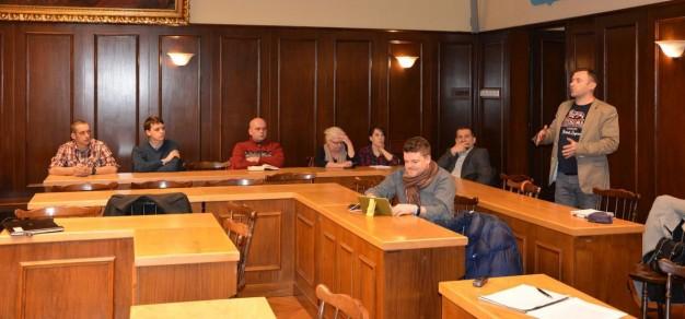 Debata w Urzędzie Miejskim nie cieszyła się zbyt dużym zainteresowaniem.
