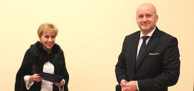 Renata Łuniewska i Jan Słoninka podczas wczorajszej sesji Rady Gminy