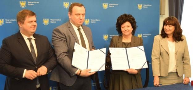Podpisanie umowy na dofinansowanie budowy centrum przesiadkowego przy ul. Parkowej, 30 grudnia 2019 r. / fot. UG Goczałkowice