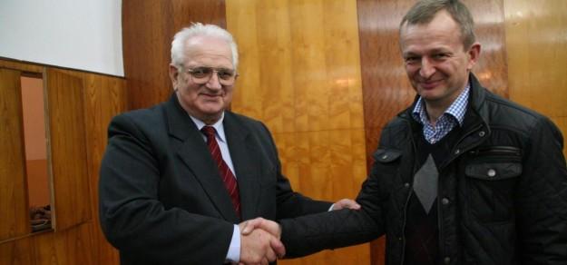 Jan Brzozowski ma niemal 75 lat. Jak sam powiedział, czas zrobić miejsce młodszym. Zastąpi go 50-letni Ireneusz Gruszka.