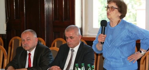 Centrum Dializa chce, żeby Waldemar Januszewski (z lewej) i Bogumiła Boba zapłacili za swoje wypowiedzi o szpitalu odpowiednio 50 i 100 tys. zł!