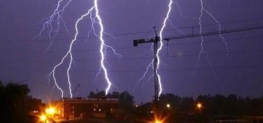IMGW wydało ostrzeżenie 1. stopnia o burzach z gradem na Śląsku oraz ostrzeżenie 2. stopnia o upale w powiecie pszczyńskim.
