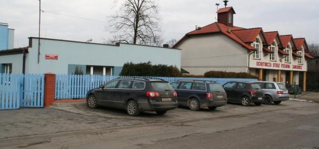 Parking pod przedszkolem z założenia miał służ mieszkańcom.