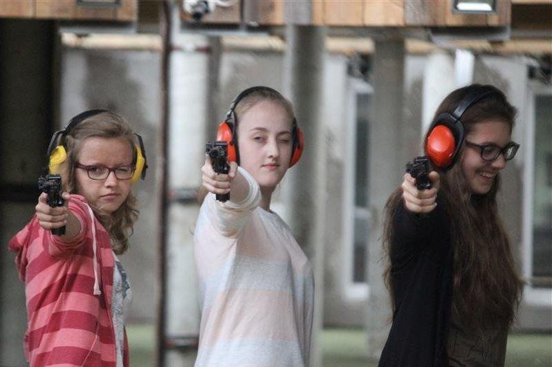 Uczniowie nauczyli się strzelać
