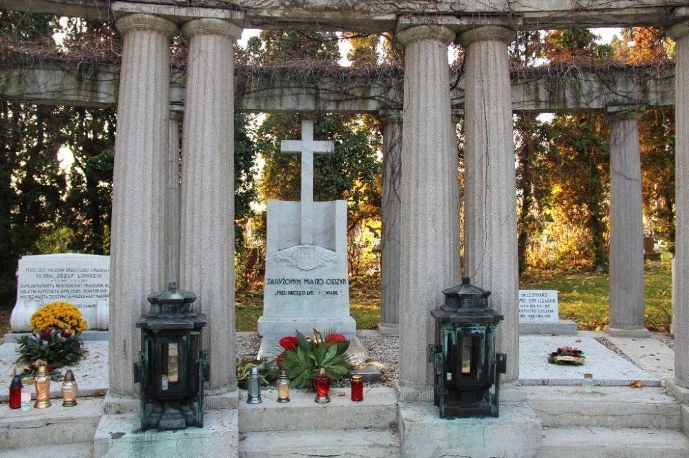 Złożyli kwiaty na grobie Karola Miarki