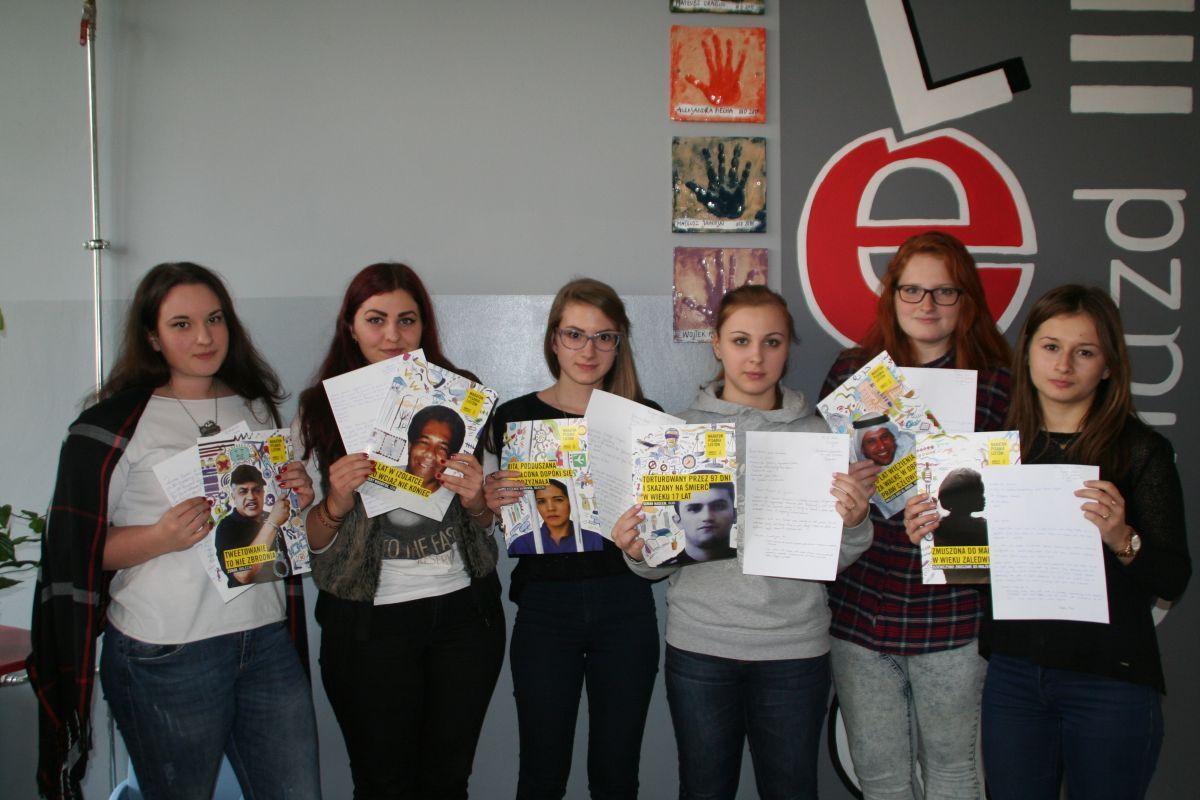 Pisali listy w obronie praw człowieka