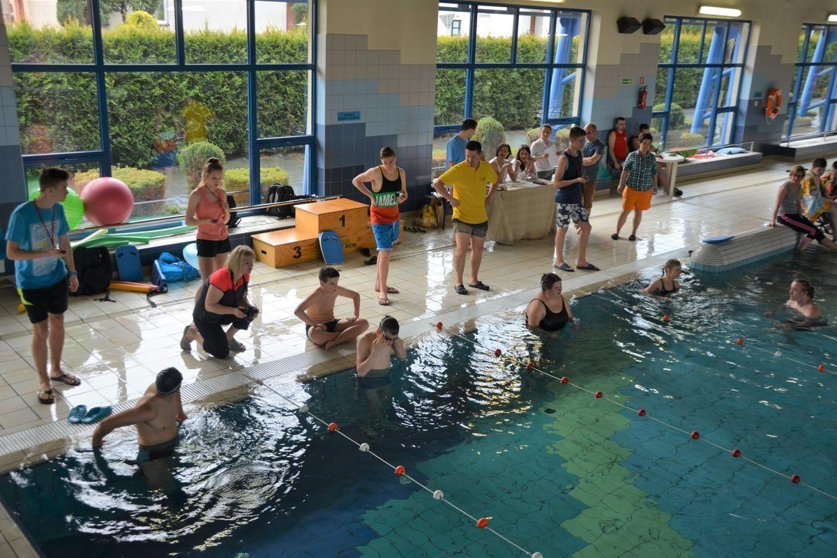 Wolontariusze z PZS nr 1 pomogli w organizacji zawodów pływackich dla niepełnosprawnych