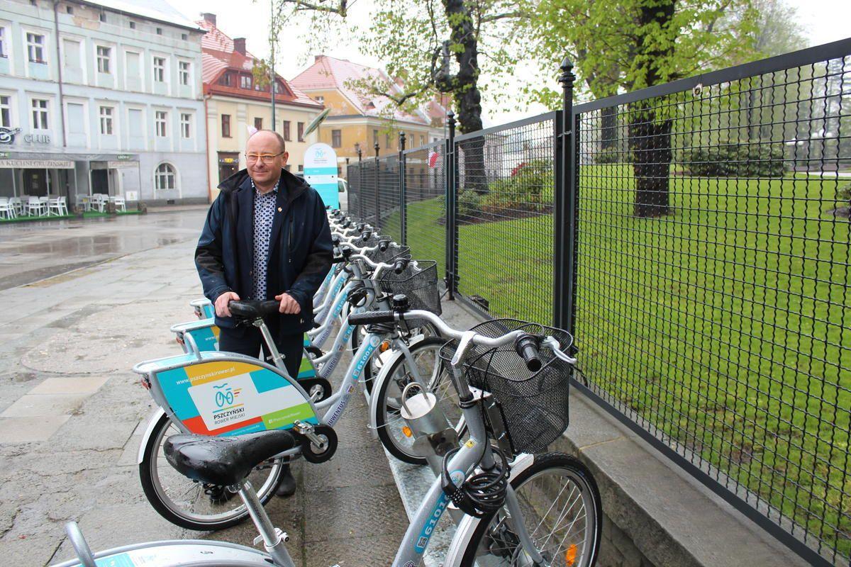 Na początek 40 rowerów na czterech stacjach. Ruszył Pszczyński Rower Miejski