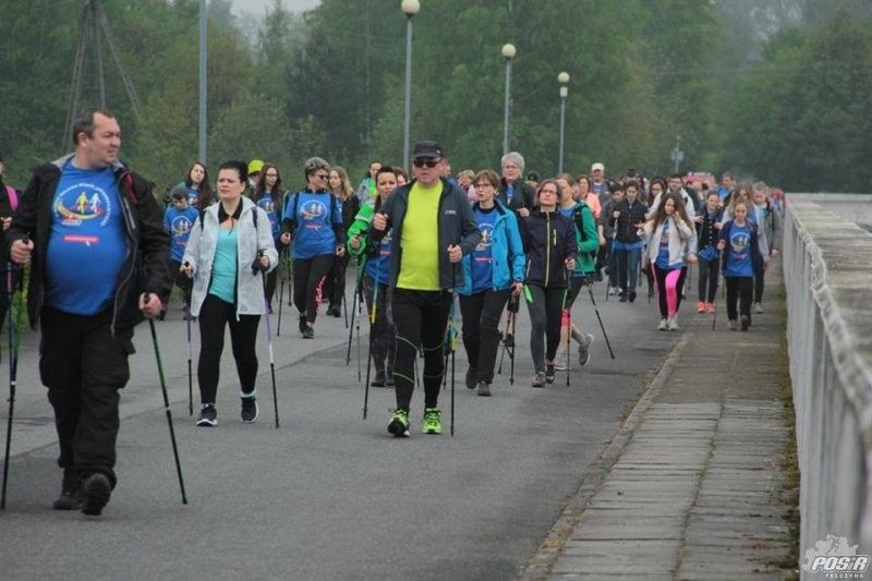 Przemaszerowali 12 km wokół Zbiornika Łąckiego podczas VI Nordic Walkingu