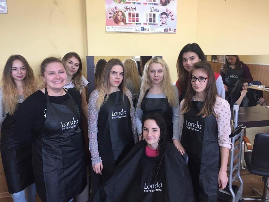 Luksusowe produkty i pomoce fryzjerskie w PZS nr 1