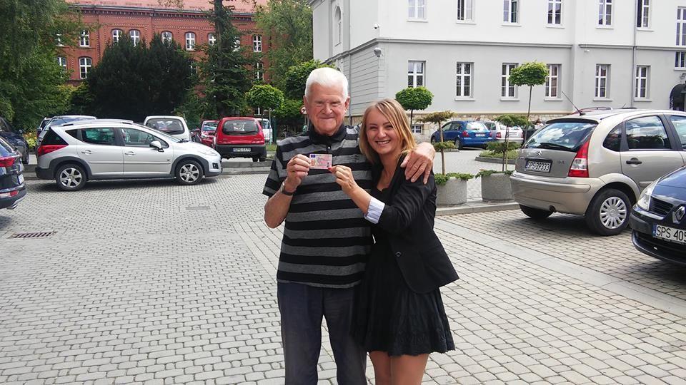 Goczałkowice: ma 89 lat i właśnie zdał egzamin na prawo jazdy!