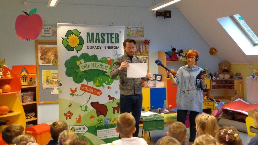 Przedszkolaki z Kobióra w radiu o segregacji odpadów