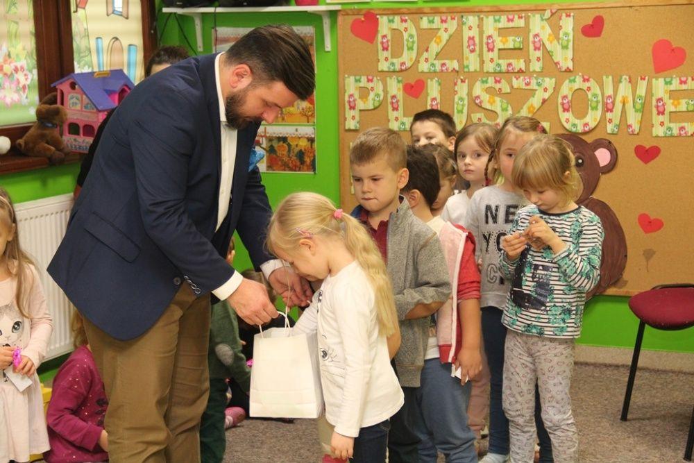Prawie pięć tysięcy odblasków trafiło do przedszkolaków