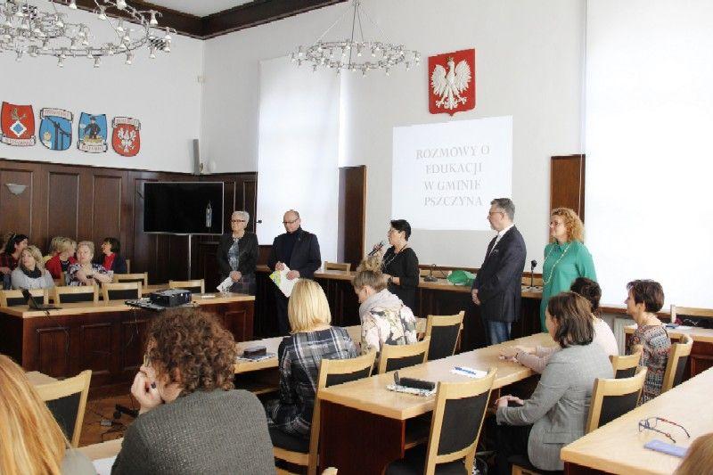 Rozmawiają o jakości edukacji w gminie Pszczyna