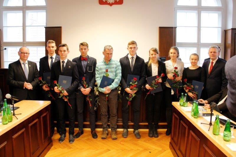 Burmistrz nagrodził sportowców i ich trenerów