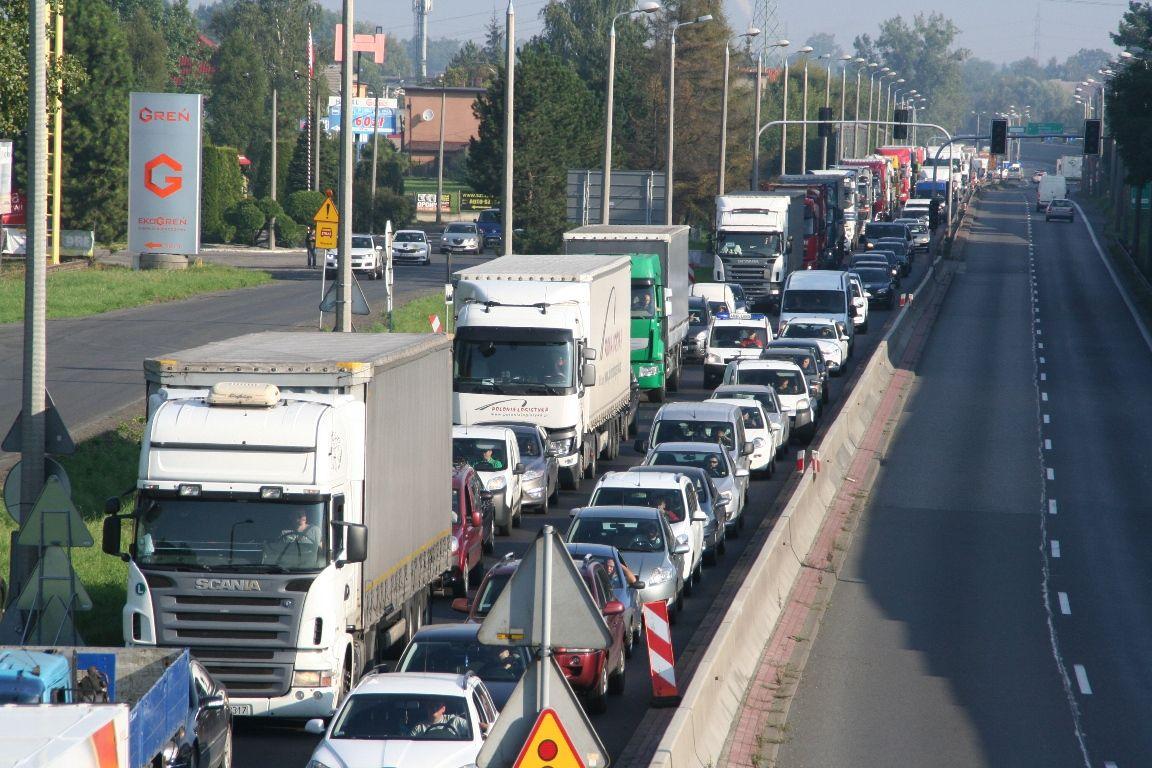 Blisko 100 tys. samochodów w powiecie!