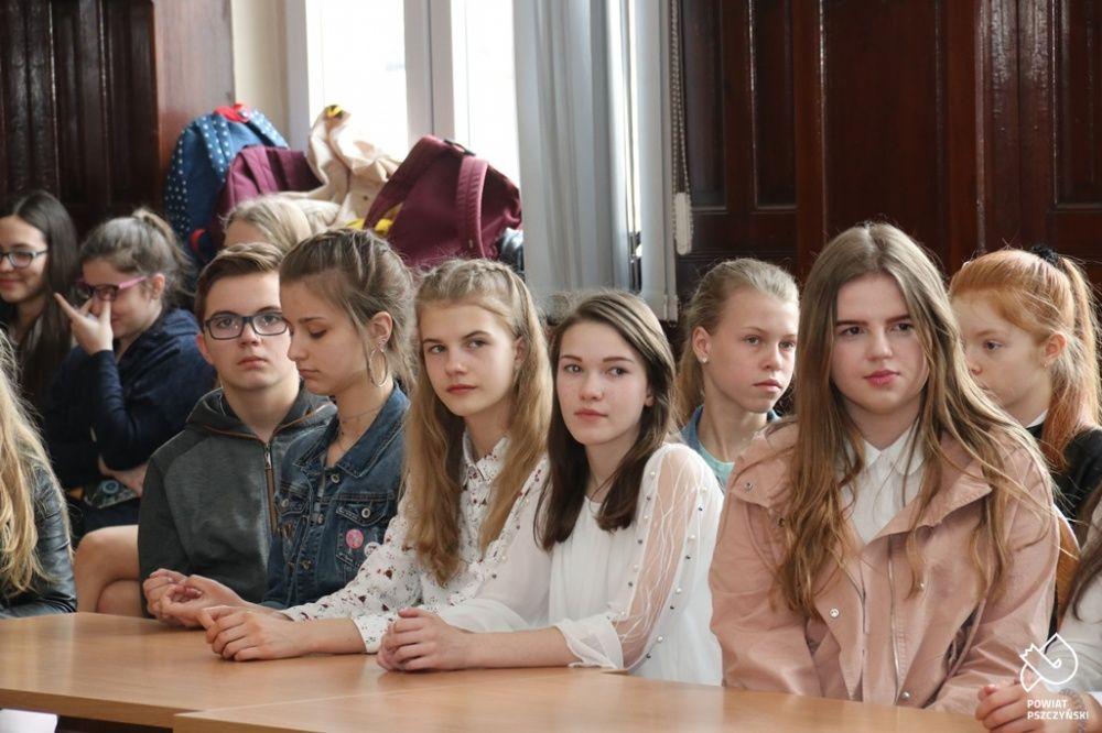 Samorządy uczniowskie spotkały się w starostwie