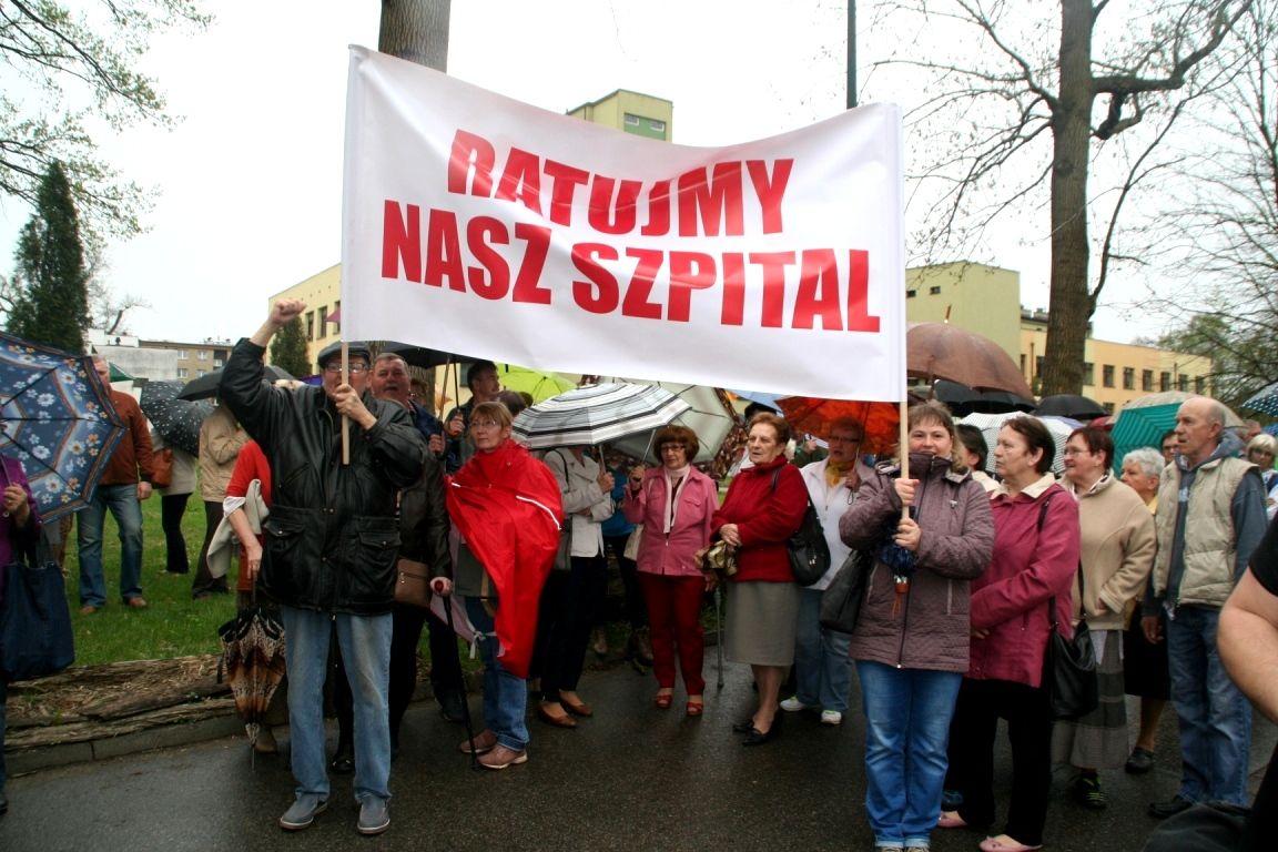 Jadą protestować przed siedzibę NFZ w Katowicach