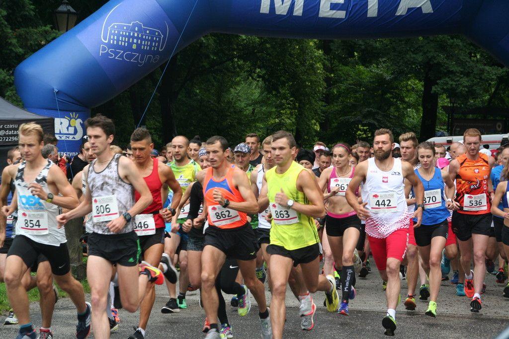 Pogoda nie zniechęciła biegaczy