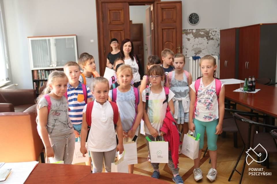 Uczniowie ze Studzienic odwiedzili Starostwo Powiatowe