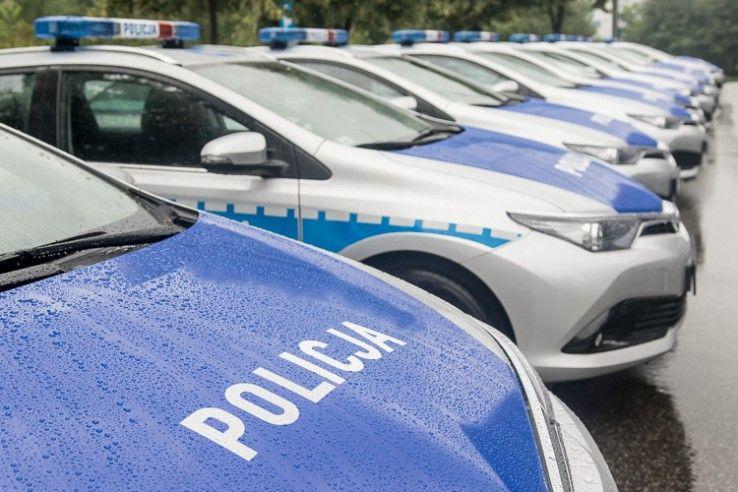 Nowe auta dla śląskiej policji. Dwa trafiły do Pszczyny
