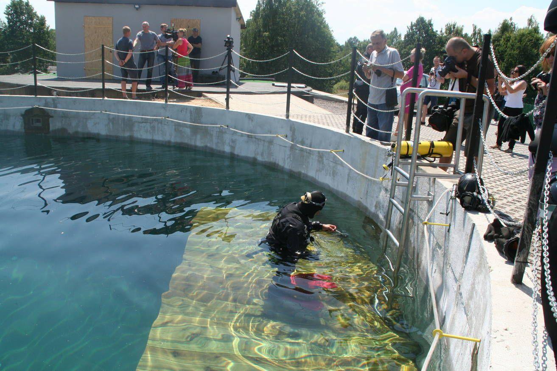 Zbiorniki na os. Piastów: burmistrz pod wodą