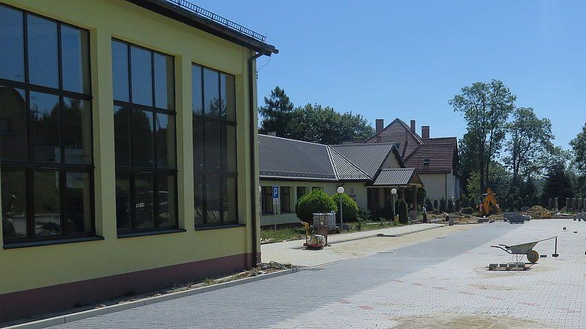 Budują nowy parking w Pielgrzymowicach