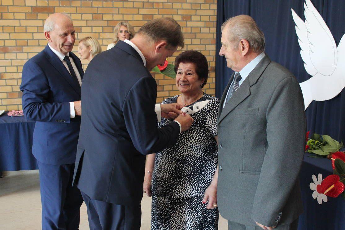 W gminie Miedźna gratulowali pięknych jubileuszy małżeństw