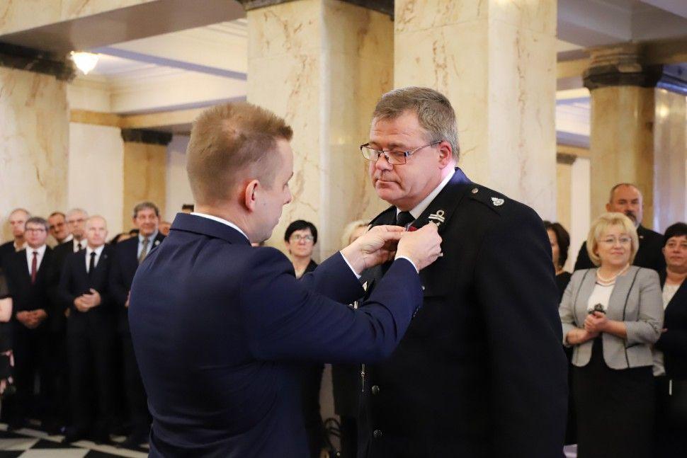 Funkcjonariusz pszczyńskiej straży pożarnej odznaczony