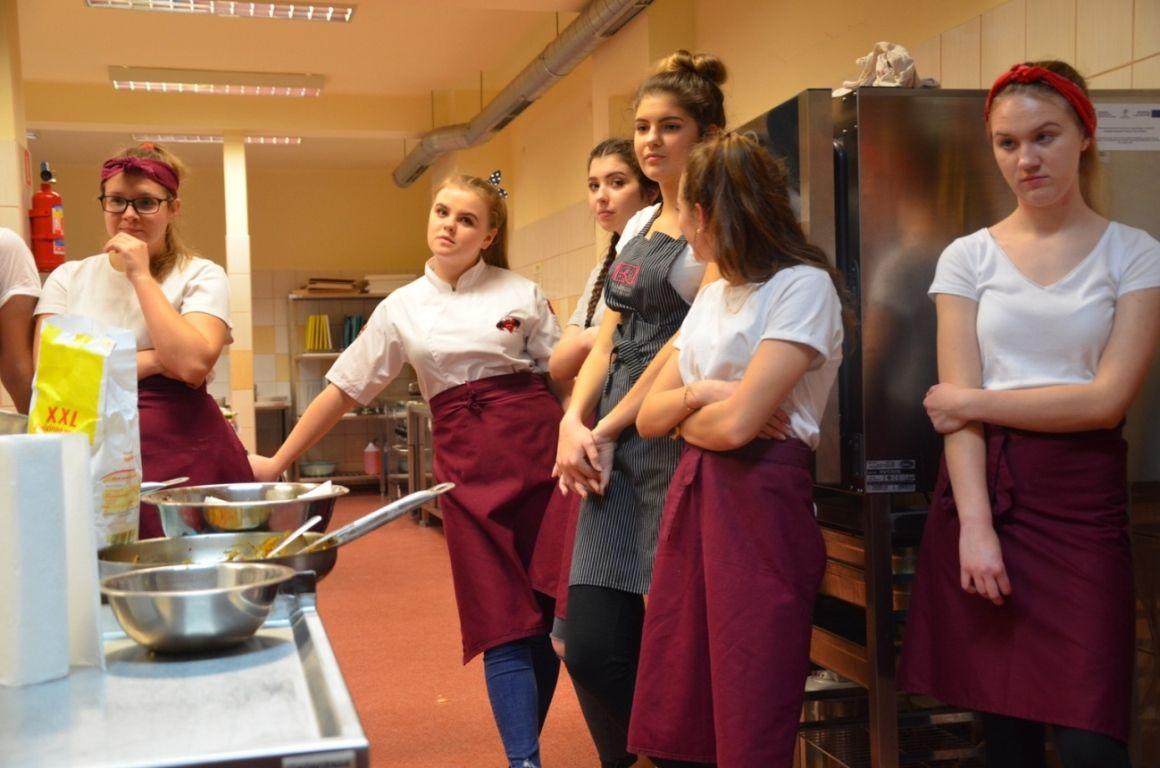 Improwizacje na talerzu - warsztaty kulinarne w PZS nr 2