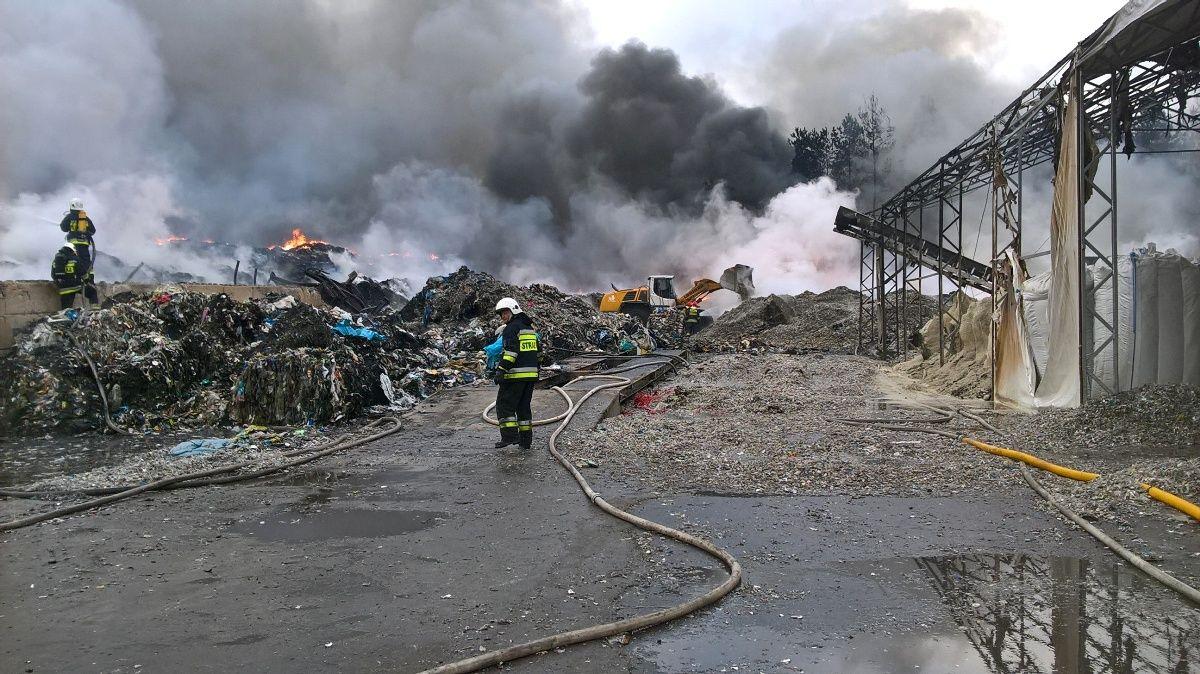 Po pożarze w Żorach mieszkańcy boją się o swoje zdrowie
