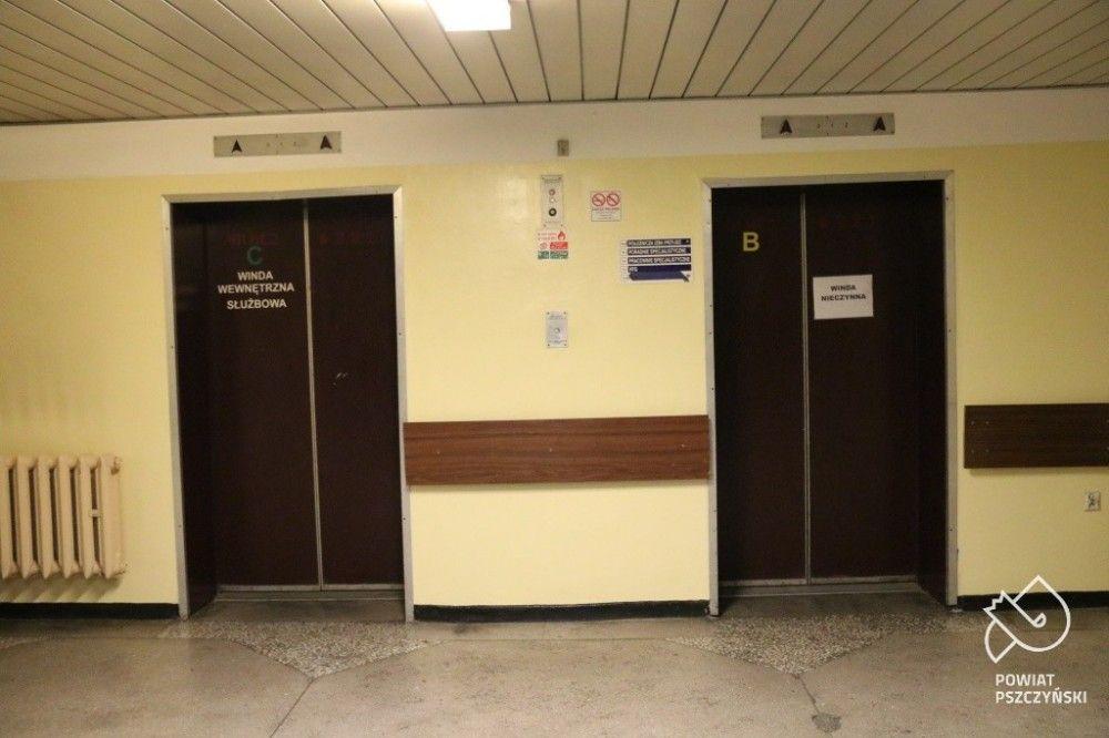 Wymieniają windy w szpitalu