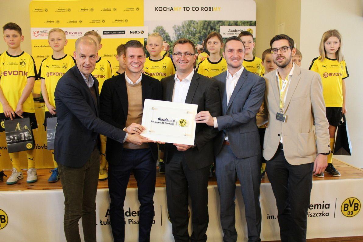 Borussia Dortmund zaangażuje się w akademię Łukasza Piszczka