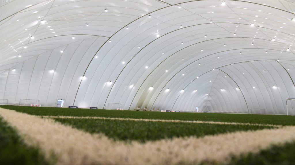 Gmina da teren, firma wybuduje kryte boiska?