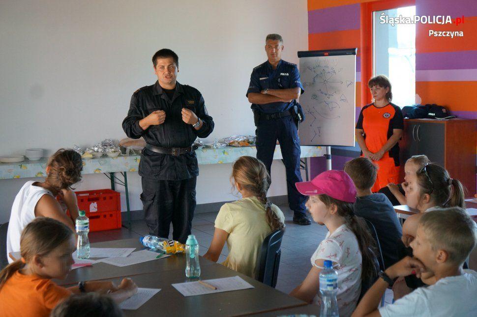 Młodzi żeglarze poznali zasady bezpiecznego wypoczynku