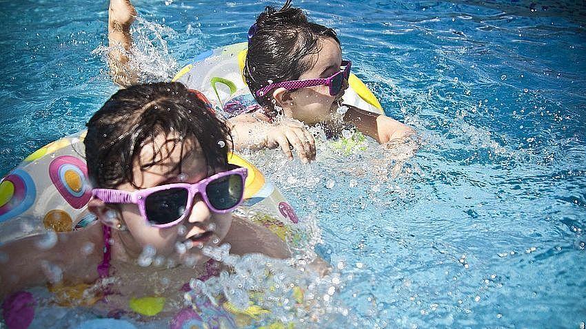 Korzystasz z przydomowego basenu? Płać mniej za ścieki