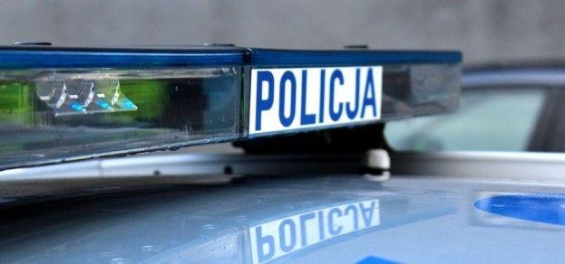 46-latka wpadła pod nadjeżdżający samochód