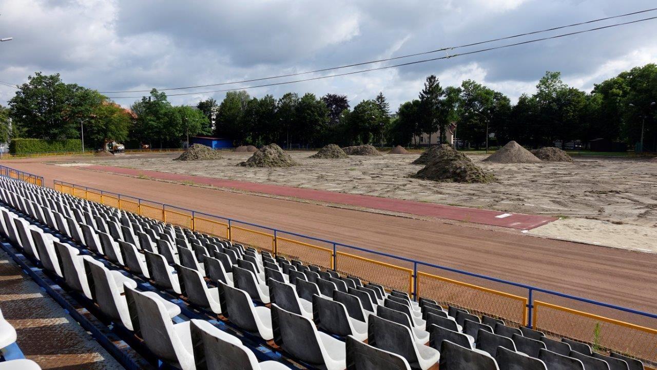 Trwa przebudowa stadionu Iskry