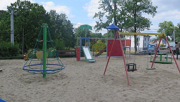 Plac zabaw w Jarząbkowicach już gotowy!