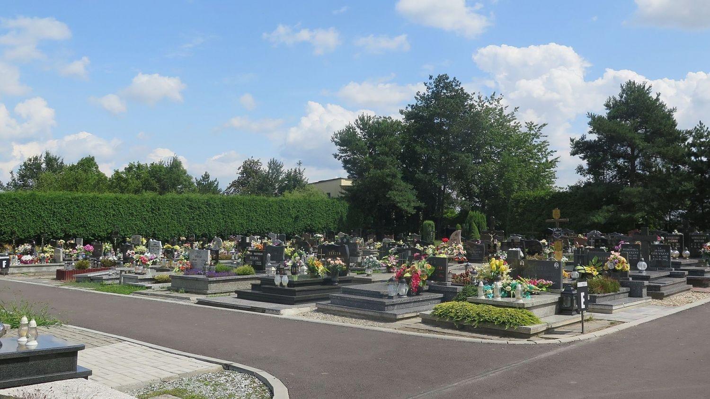 Wirtualny przewodnik po pawłowickim cmentarzu